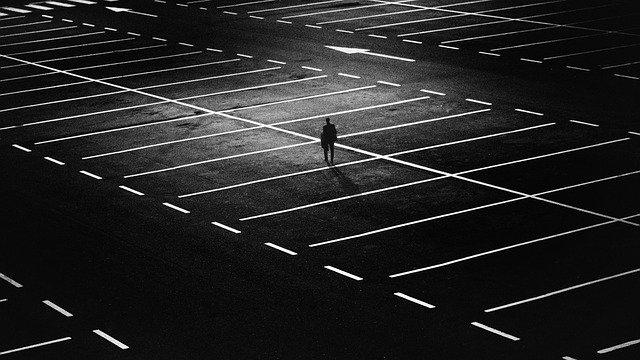Homme seule à l'image d'un orphelin